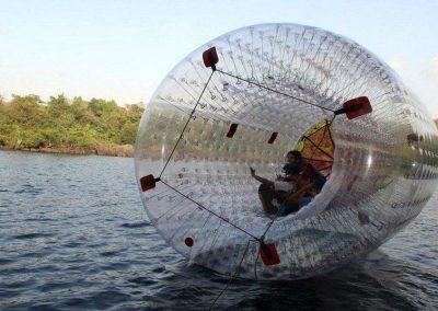 Waterball Zorbing